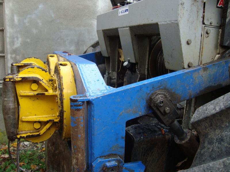 tracteur forestier New Holland TM155 Dsc08320