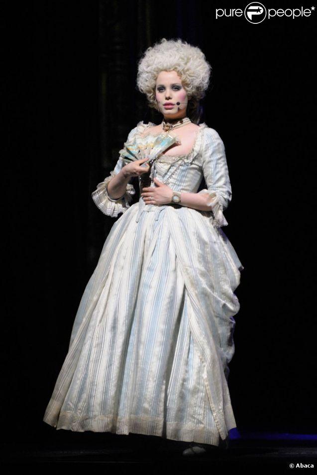 Roxane Le Texier : Marie-Antoinette d'Autriche, reine de France Marie_10