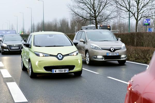 2012 - [Renault] ZOE [B10] - Page 7 S7-ren11