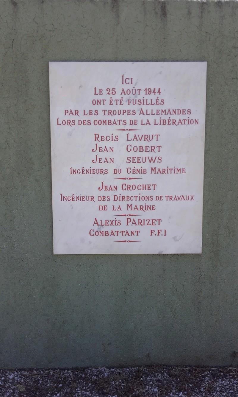 [Histoires et Histoire] Monuments aux morts originaux Français Tome 1 - Page 37 12711