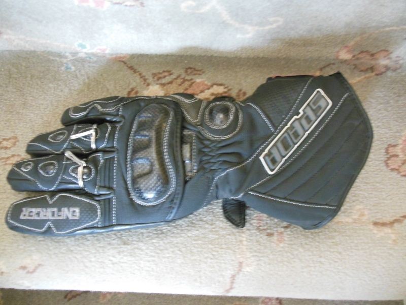 handle that fits like a glove! Glove_10