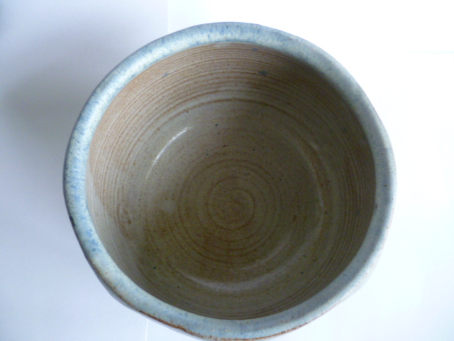 An uncommonly nice Hawkshead Pottery Bowl 11 x 15 cm - Guest Potter Perhaps P1230511