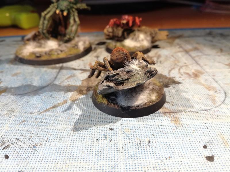 """Concours de peinture SDA n°5 - """"La reine des araignées """" Img_2044"""