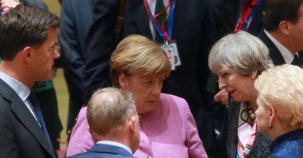No comment Merkel11
