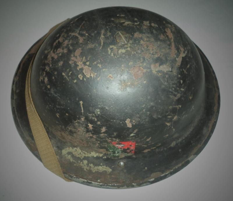 WW II Canadian Helmets - Page 4 Dsc02112