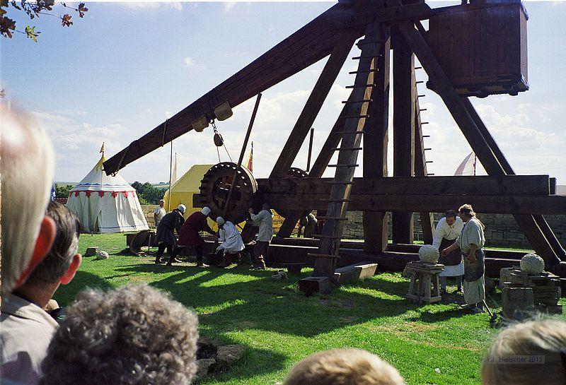 Tribok oder Trebuchet in Eigenkonstruktion aus Holz 19971010
