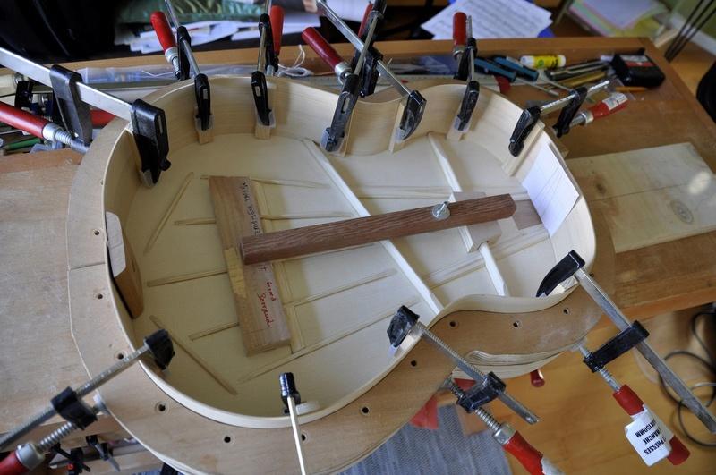 Construire sa guitare ... et plus si affinités avec le travail du bois - Page 5 _dsc0023