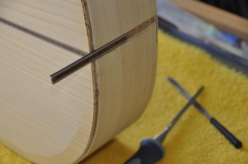 Construire sa guitare ... et plus si affinités avec le travail du bois - Page 7 _dsc0031