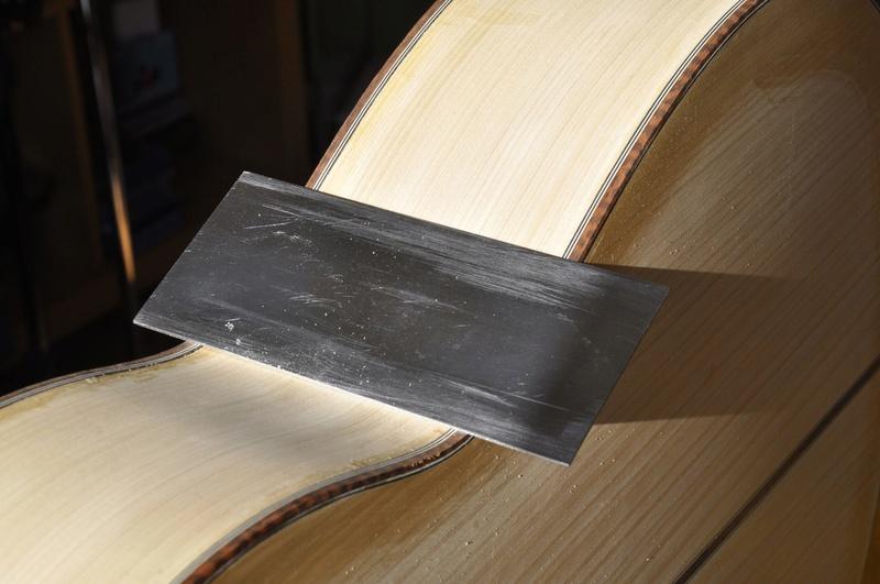Construire sa guitare ... et plus si affinités avec le travail du bois - Page 7 _dsc0039