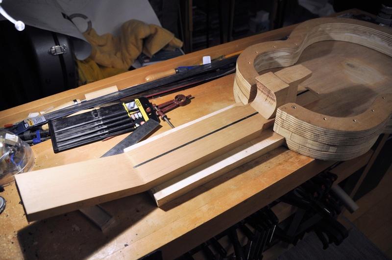 Construire sa guitare ... et plus si affinités avec le travail du bois - Page 4 _dsc1013