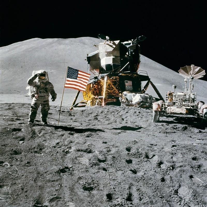 Cosmos 1999 - Page 2 Apollo10