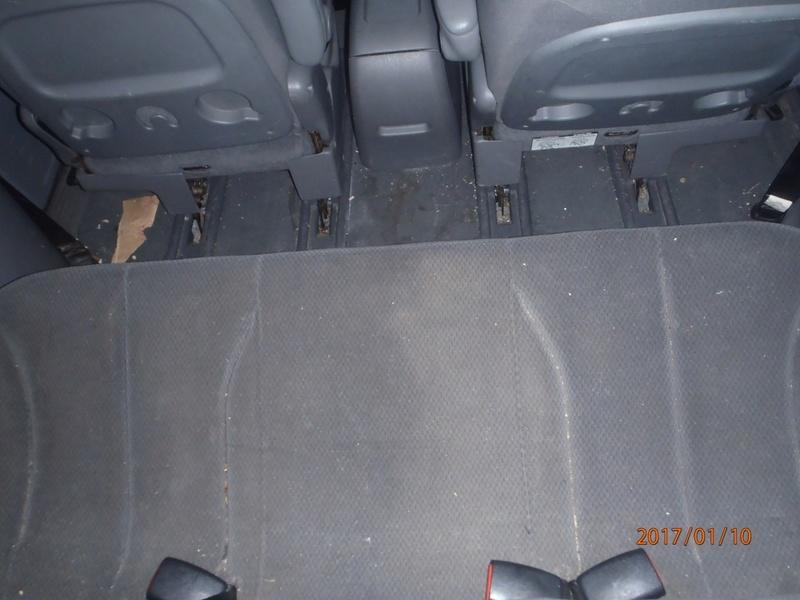 PapyKy, Vend deux sièges centrale et vide poche S4 de 2004 en tissu gris. P1100110