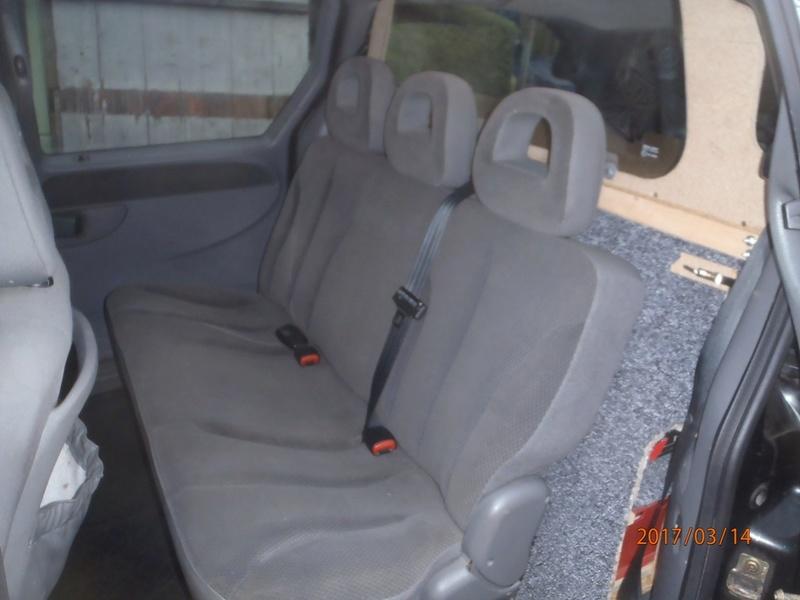 PapyKy, Vend deux sièges centrale et vide poche S4 de 2004 en tissu gris. P3140012