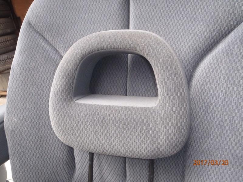 PapyKy, Vend deux sièges centrale et vide poche S4 de 2004 en tissu gris. P3200016