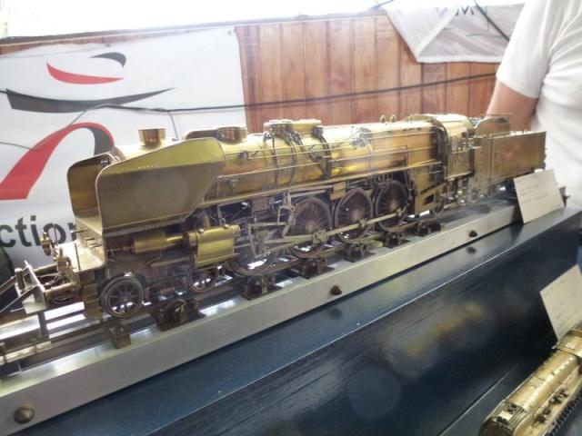 Expo de Yerres Novembre 2013 Superbes locos vapeur Expo_y34