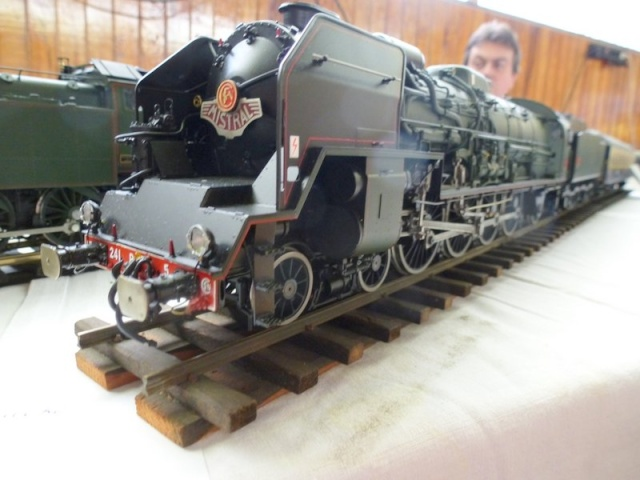 Expo de Yerres Novembre 2013 Superbes locos vapeur Expo_y37