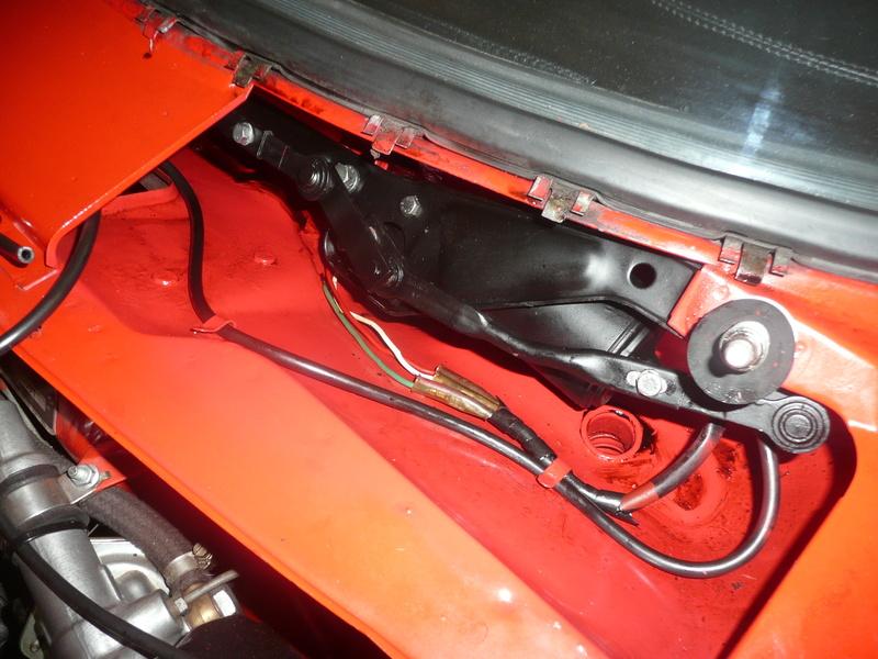 Moteur essuie glace de 75 dans un bertone P1080011
