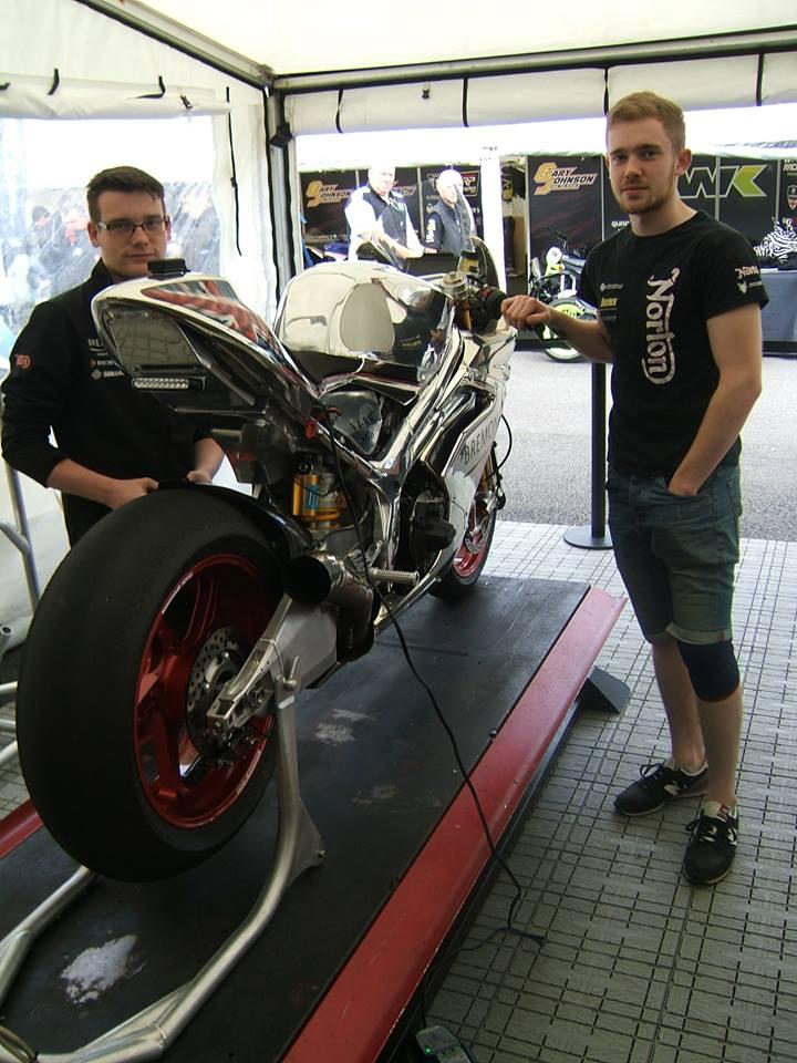 [Road Racing] TT 2017 - Page 5 18767810