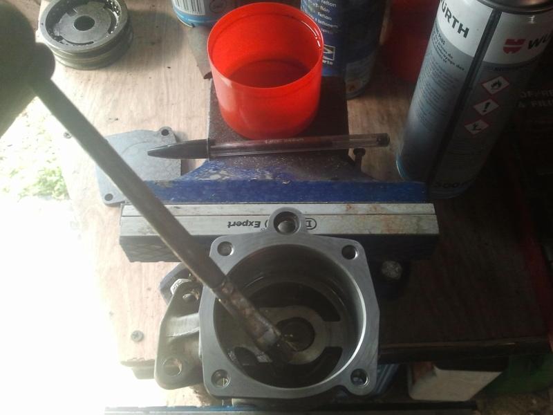 remontage moteur 2.3l V6 ford 1982 Photo089