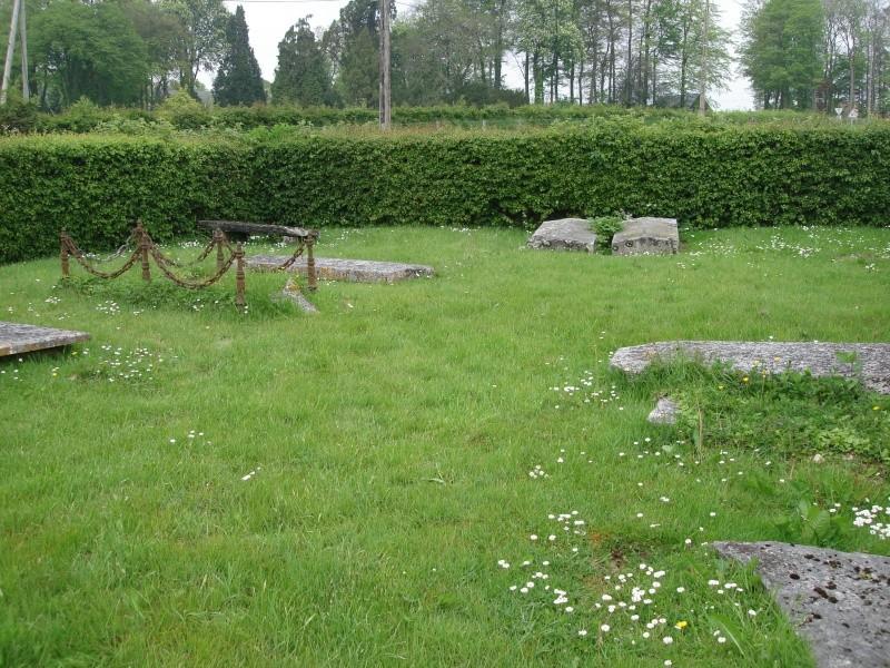 Émalleville 1704 - Inhumation RPR dans un jardin Dsc07911