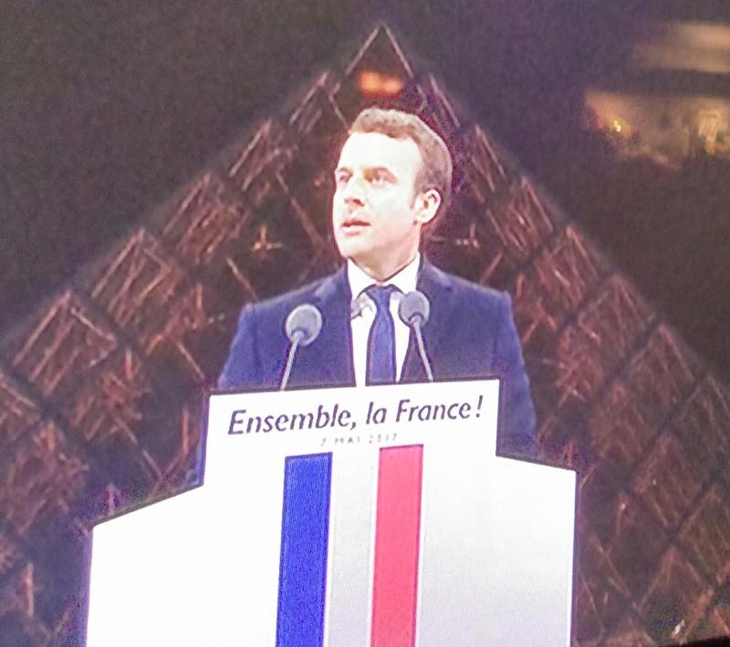 En marche !  avec Emmanuel Macron - Page 6 Imag4010