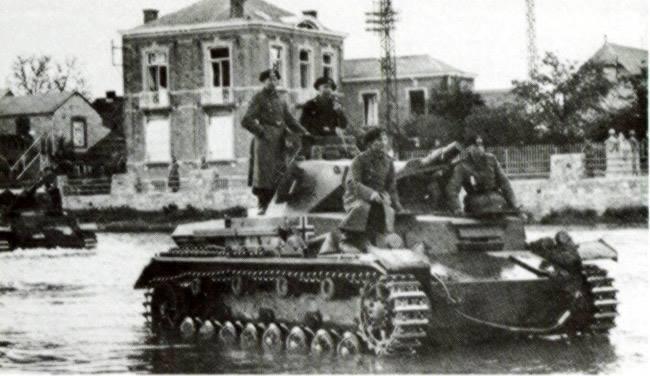 [1:35] Panzer III ausf E - Page 2 15127310