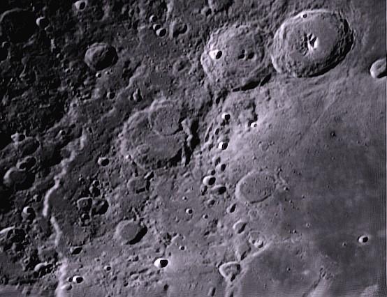 Petite série de gros plans lunaires 2013 Theoph10