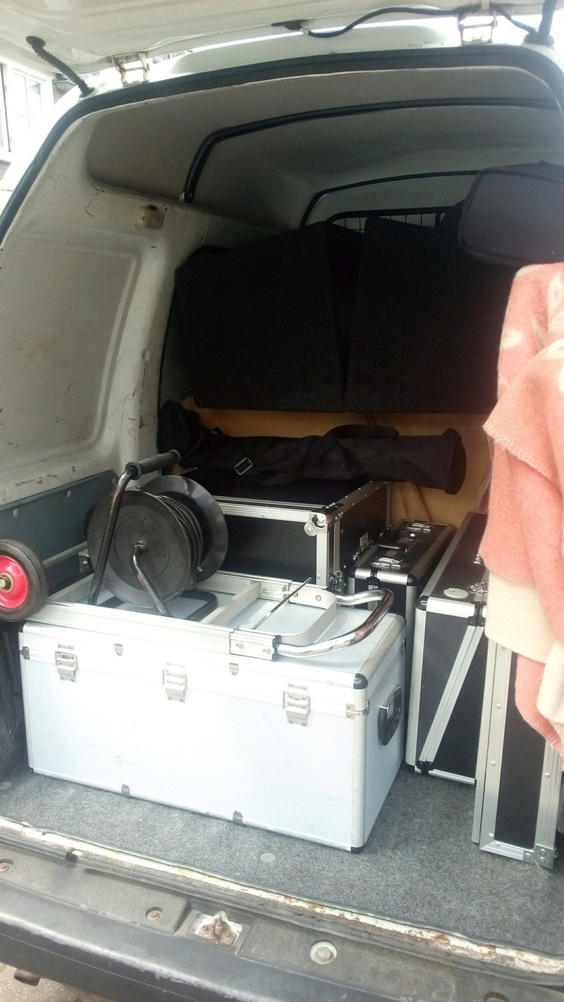 Hey whats in yer van today? - Page 11 Img_2012