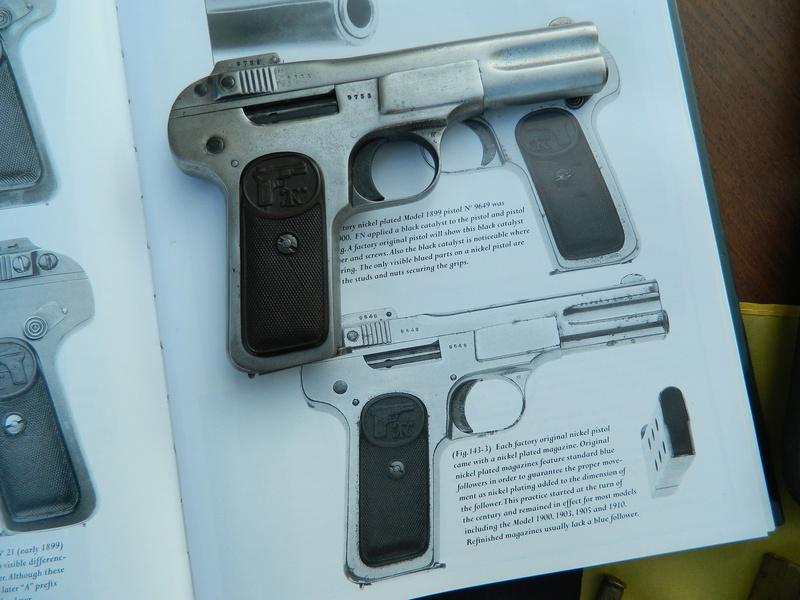 Pistolet FN 1899 Dscn7656