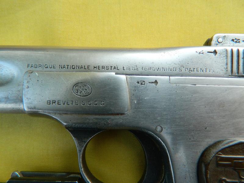 Pistolet FN 1899 Dscn7660