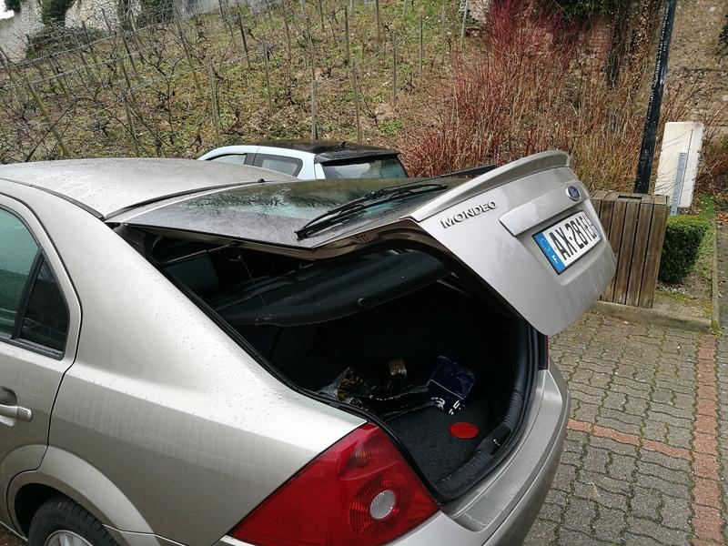 Porte-vélo et Ford Mondéo Img_2011