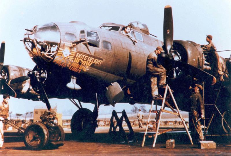 Boeing B-17G Monogram 1/48 B-17f-13