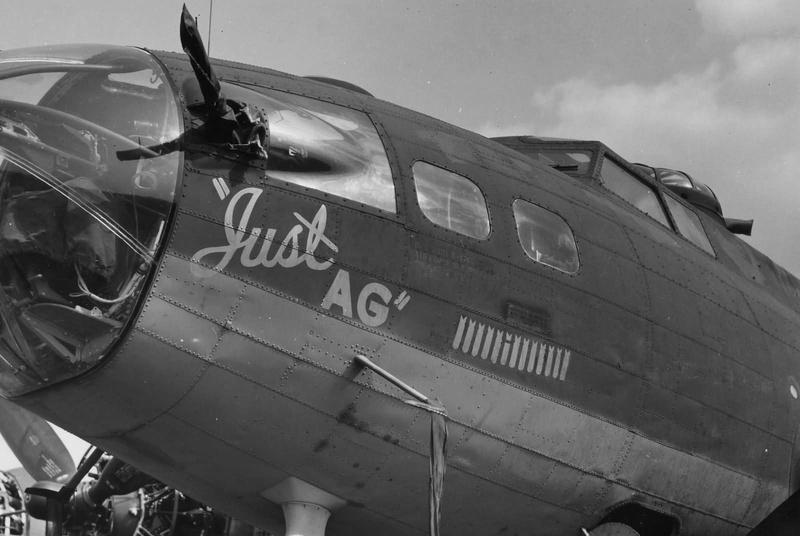Boeing B-17G Monogram 1/48 B-17f_10