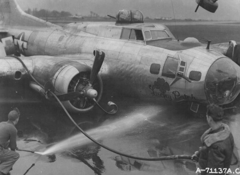 Boeing B-17G Monogram 1/48 B-17g_13