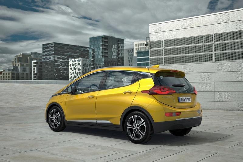Opel: dopo 88 anni in GM si passa a PSA 18445610
