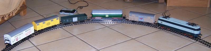 Le coffret E444 avec train de marchandise référence 0151 de Lima au 1:45 Coffre14