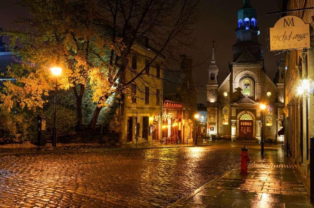 Vieux-Montréal: La nuie sous la pluie! Dsc04910