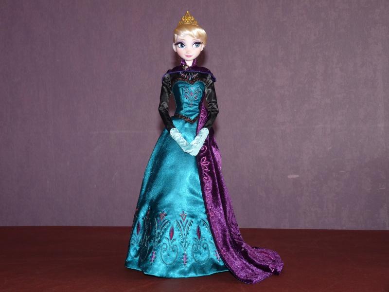 Disney Store Poupées Limited Edition 17'' (depuis 2009) - Page 6 P1040713