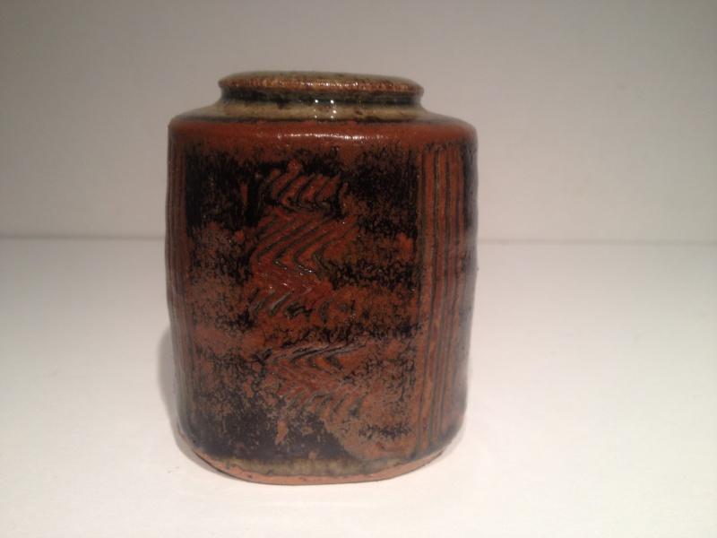 Small tenmoku pot, combed decoration, JD mark -  John Dermer, Australia? Img_1512
