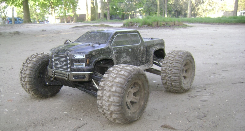 Arrma Monster Truck Nero BLX EDC /  Fazon & Big Rock de Trankilou&Trankilette - Page 6 07_04_17
