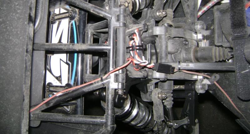 Le LOSI Desert buggy 1/5e XL-E RTR 4WD 8s de Trankilou & Trankilette - Page 3 07_06_40