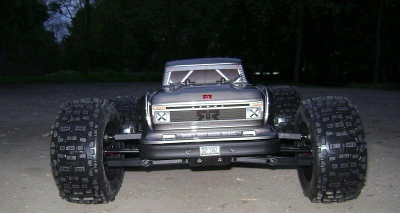 Arrma Stunt Truck Outcast BLX 6S de Trankilou & Trankilette 17_04_32