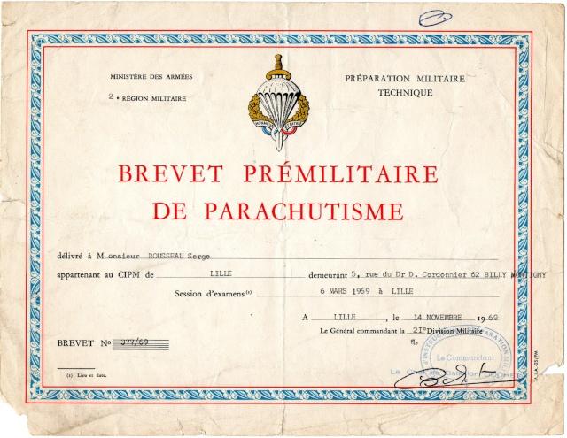 Le brevet prémilitaire parachutiste que 441.000 jeunes françaises et françaises ont mérité. Img41010