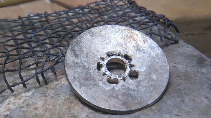 Pendentif fleur grenat cabochon Dsc_0811