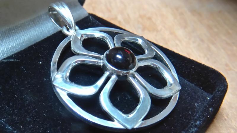 Pendentif fleur grenat cabochon Dsc_0818