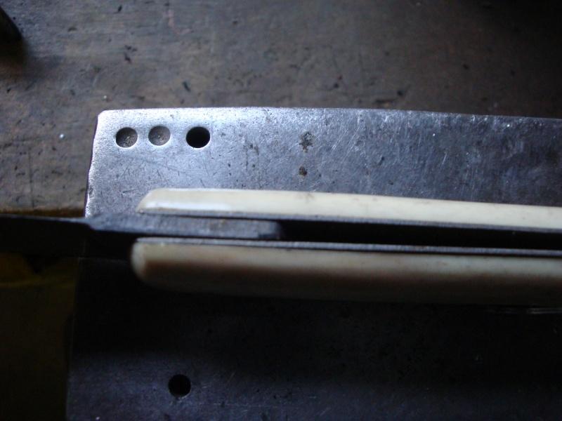 Eléments pour restaurer un couteau Dsc03622