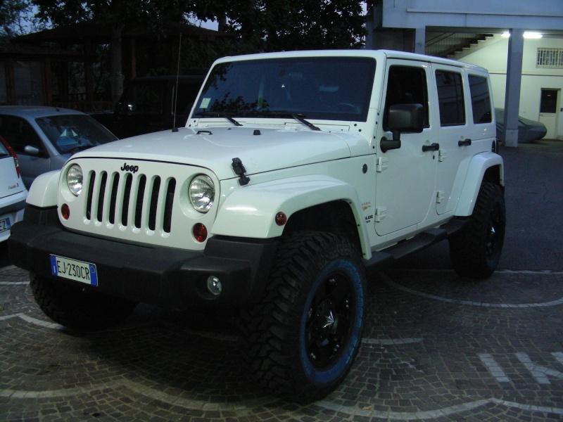 le nostre jeep 8/11/2013 (la data serve per vedere gli aggiornamenti) Dscn6520