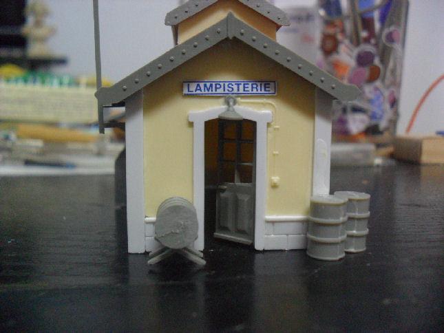 AUBANCE petite gare en HO... Lamp110