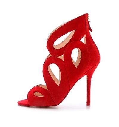 Mode, Galopines & Co : ici les stilettos, sneakers, bodycon, peplum... n'auront plus de secret pour vous ! - Page 4 Red_sh10