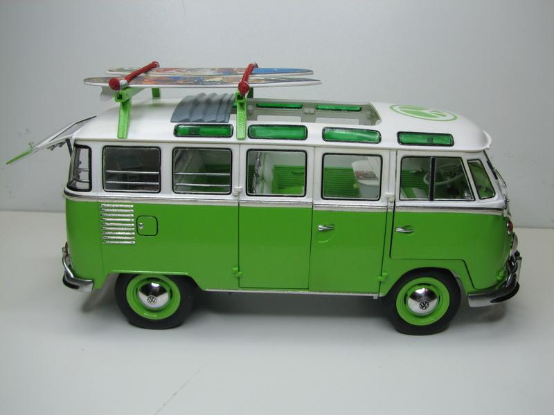 VOLKSWAGEN SAMBA BUS 1962 de Revell kit # 07399 Volksw39